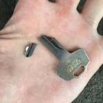 基山町 鍵が折れ込んでしまった!